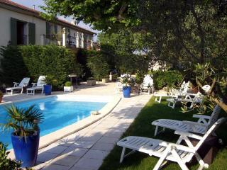 Les Platanes - Les Cabannes vacation rentals