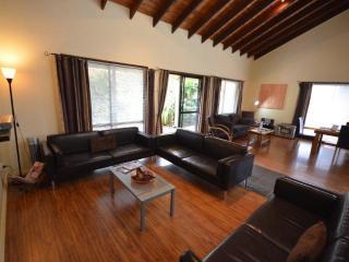 4-BR Cumberland Spa Villa -Stroll cafes,near beach - Norfolk Island vacation rentals