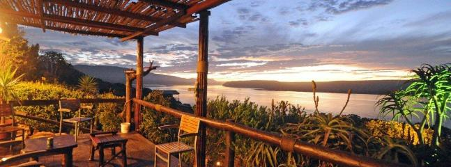 Looking over the river from the main deck - Mudlark Riverfront Lodge - Overberg - rentals