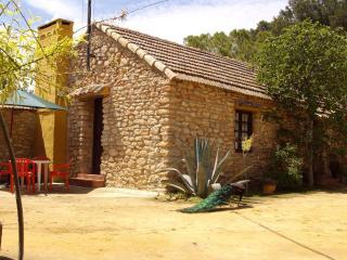Casa rural en centro geográfico de Andalucia - Antequera vacation rentals