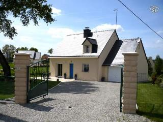 GUEHENNO  nr JOSSELIN  COTTAGE - Pontivy vacation rentals