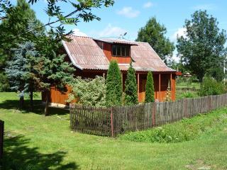 Romantic wooden cottage - Sieniawa vacation rentals