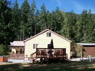 WILDWOOD AT MT. RAINIER - Mount Rainier National Park vacation rentals