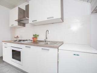 Nice apartment 2 +2 - Podstrana vacation rentals