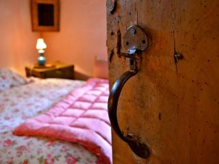 New Inn Brilley Rose Pink Bedroom - Hereford vacation rentals