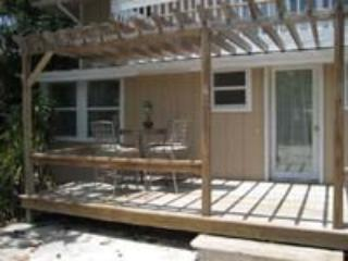 2 Bedroom 2 Bathroom Apartment in the Heart of Bradenton Beach (BB01) - Bradenton vacation rentals