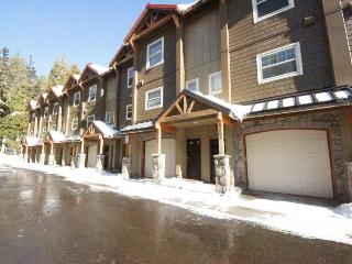 Pet-friendly, upscale condo with pool & hot tub access! - Government Camp vacation rentals