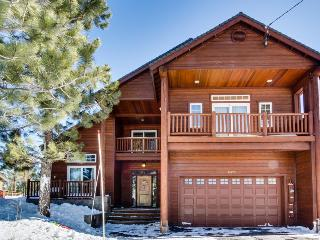 Luxury Donner Lake home w/ shared pool and tennis! - Truckee vacation rentals