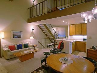Convenient condo with pool, hot tub, tennis, bocce, & more - Carnelian Bay vacation rentals
