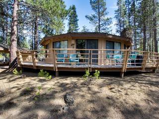 Gorgeous, unique home w/private hot tub in Sunriver - Sunriver vacation rentals