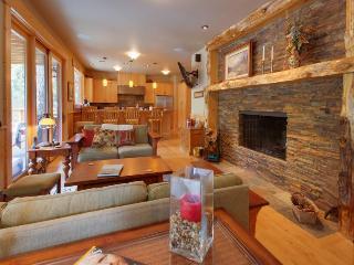 Detroit Lake Lodge - Detroit vacation rentals