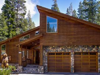 Snowpeak Tahoe Donner Golf Course Views - North Tahoe vacation rentals