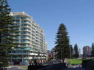 Glenelg Deluxe Apartment - Glenelg vacation rentals