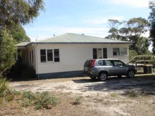 Greens Beach Bungalow - Beauty Point vacation rentals