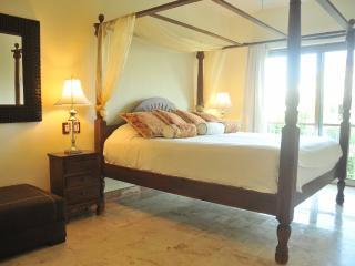 Beautiful Penthouse 3 Bedroom Paseo del Sol - Playa del Carmen vacation rentals