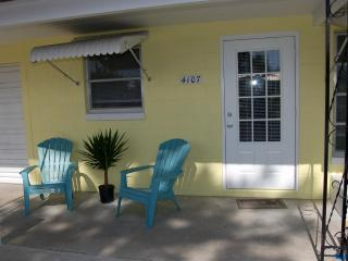 Two bedroom Cottage in The Manatee Pocket - Florida vacation rentals
