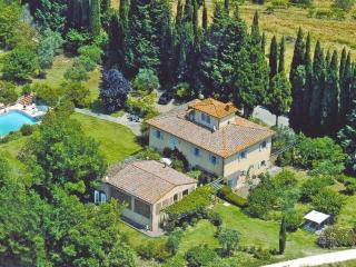 Pretty self catering apartment / private terrace: - San Gimignano vacation rentals