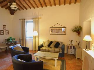 Super Self-Catering Apartment in Tuscany - Fiorino vacation rentals
