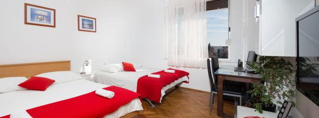 Apartment in Center with balcony and sea view - Image 1 - Split - rentals