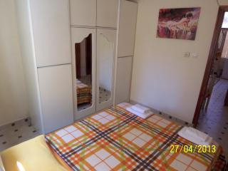 Gümüldür Ürkmez - Apart with garden close to beach - Urla vacation rentals