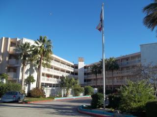 Front Unit Overlooks Beach - Corpus Christi vacation rentals