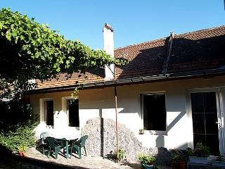 Holiday house for 2-5 persons, urban oasis in city - Moieciu vacation rentals