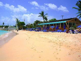 'Jus Chillin', Mullins Bay, opp beach, Lux 4 bed - Mullins vacation rentals