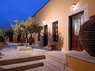 Cretan hospitality in a Mansion - Archanes vacation rentals