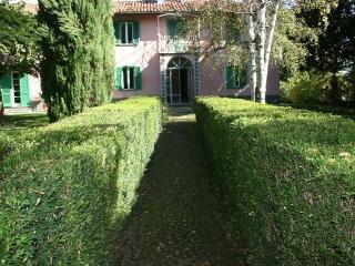 Villa la Mariandrea - Canale vacation rentals