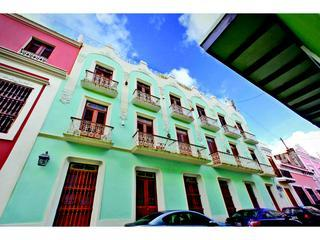 Outside of the building.  The apartment balconies are on the third floor right side - Old San Juan - Calle Sol - Puerto Rico - rentals