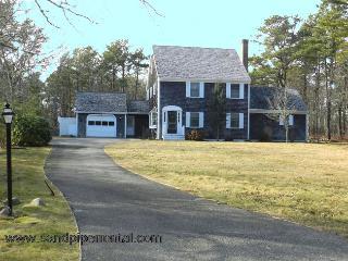 #862 3BR Colonial Located In Prestigious Meadow View Farms - Martha's Vineyard vacation rentals