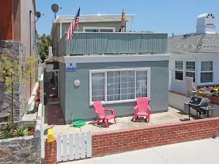 Cozy Bayside Single Family Home! Walk to Balboa Pier! (68262) - Newport Beach vacation rentals