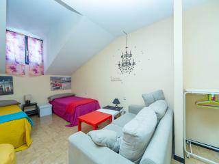 Charming, heart of Madrid, LOW COST, 70m2 - Madrid Area vacation rentals