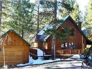 Charming 1500 sq ft. Cabin near ski slopes and Don - Truckee vacation rentals