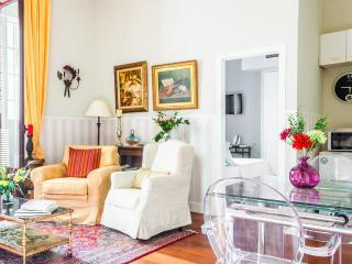 Apartamento de Lujo a pasos del Palacio Real - Madrid vacation rentals
