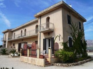 Apartment Scirocco in a beautiful hilltop villa - Sciacca vacation rentals