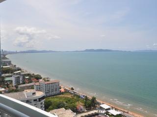 Luxury Beachfront Jomtien/Pattaya Condominium 28fl - Jomtien Beach vacation rentals