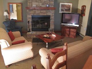 Le Plateau 218-6 - Mont Tremblant vacation rentals