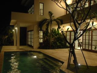 Bali Sunset Villa - Luxury at affordable prices - Canggu vacation rentals