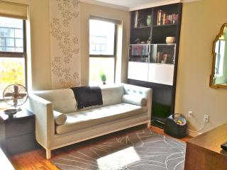 Large Sunny 1BR - Entire 2nd Floor - Brooklyn vacation rentals