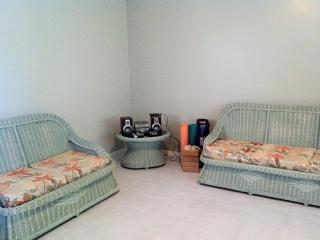 Tropical escape 3 bedroom townhouse with pool! - Ironshore vacation rentals