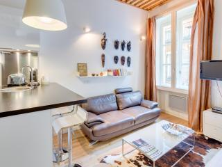 2 persons flat center Lyon- chocolat - Image 1 - Lyon - rentals