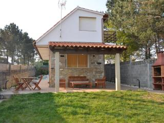 Villa near the beach in Sanxenxo (northwest Spain) - Santa Uxia de Ribeira vacation rentals