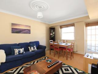 **HYDE PARK 2 Bed / 2 Bath with Balcony - London vacation rentals