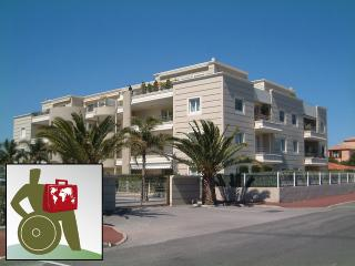 WHEELCHAIR ACCESSIBLE Apartment in Canet Plage - Collioure vacation rentals