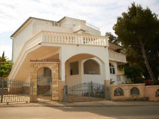 Apartment Anamaria A1 - Murter vacation rentals