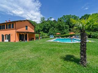 Calendula - Arliano vacation rentals