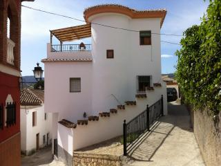Beautiful and traditional house with wifi. Granada - Niguelas vacation rentals
