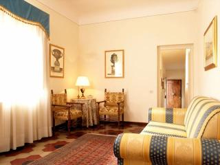 Apartment with a wonderful balcony - Florence vacation rentals