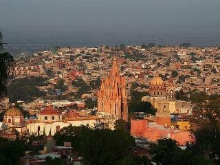 180° VIEW Home 3br/2.5 ba. DOWNTOWN - San Miguel de Allende vacation rentals